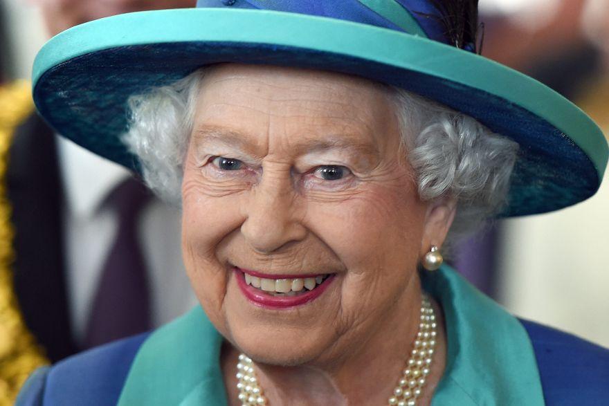 Queen Hairstyles: Queen Elizabeth II Goes Low-key For Record Reign Landmark
