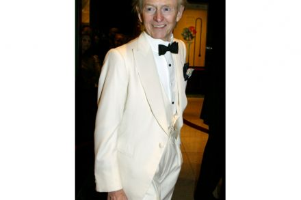 The Bonfire of the Vanities author Tom Wolfe dies aged 87