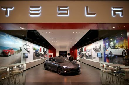 Tesla, Musk settlements with SEC approved by judge