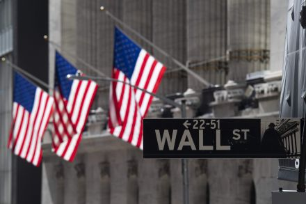Wall St opens flat as investors await Fed outlook