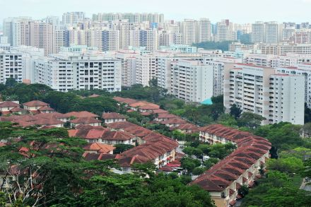 http://www.srx.com.sg/singapore-property-news/11292/downtrend-in-private-home-prices-picks-up-momentum