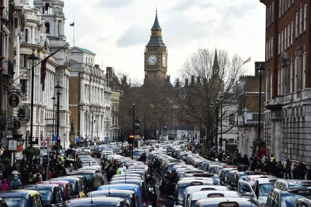 37434274.1 (37437107) - 11_02_2016 - BRITAIN BLACK CABS UBER TAXI PROTEST.jpg