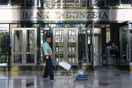 37184249 - 14_01_2016 - INDONESIA-ECONOMY_RATES.jpg