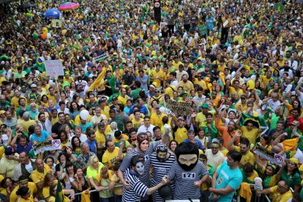37746333 - 14_03_2016 - BRAZIL-ROUSSEFF_PROTESTS.jpg