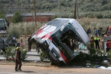 37820839 - 20_03_2016 - SPAIN BUS CRASH.jpg