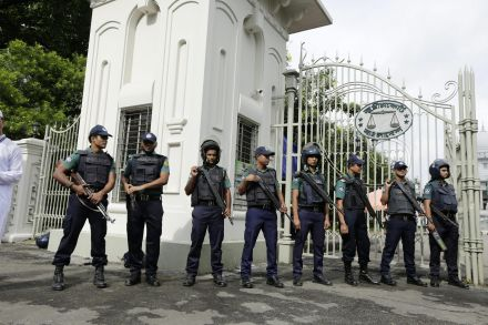 38994942 - 07_07_2016 - BANGLADESH EID AL FITR SECURITY.jpg
