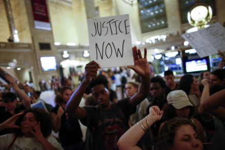 39020097 - 09_07_2016 - US-BLACK-LIVES-MATTER-DEMONSTRATORS-MARCH-IN-NEW-YORK-CITY.jpg