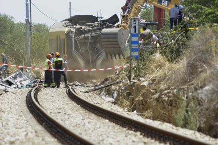 39065813 - 13_07_2016 - ITALY TRAIN COLLISION ACCIDENT.jpg
