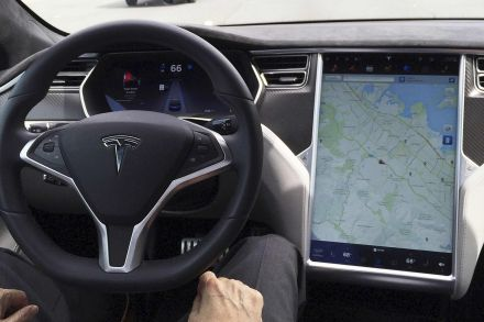 Tesla Autopilot too much, too soon, Consumer Reports warns