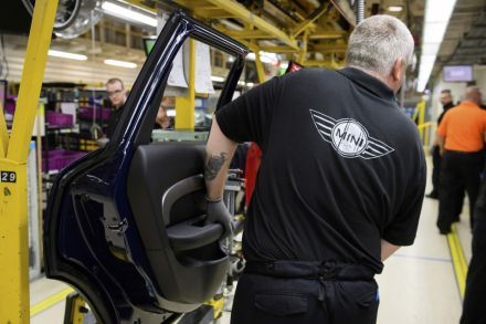 Confidence crashes to recession levels among United Kingdom manufacturers