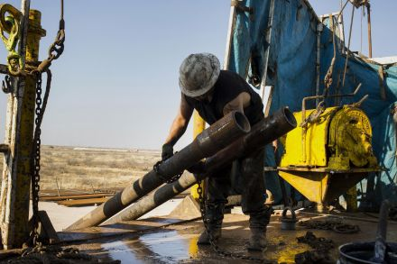 Oil prices bounce after United States gasoline inventory draw