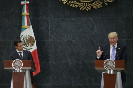 Mexico's Pena Nieto contradicts Trump, says won't pay for wall