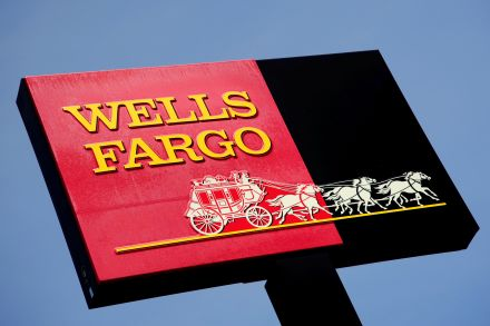 Wells Fargo Fires 5300 Employees for Fraud
