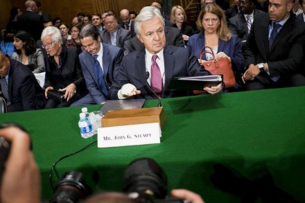 Wells Fargo CEO resigns Fed advisory seat