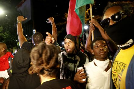 39953121 - 23_09_2016 - US-STATE-OF-EMERGENCY-DECLARED-IN-CHARLOTTE-AFTER-POLICE-SHOOTIN.jpg