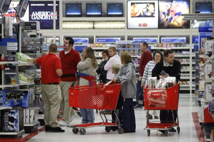 Target sales, profit boosted by online traffic; raises outlook