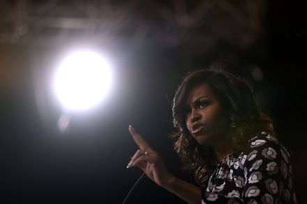 40336978 - 28_10_2016 - US-MICHELLE-OBAMA-CAMPAIGNS-WITH-HILLARY-CLINTON-IN-NORTH-CAROLI.jpg