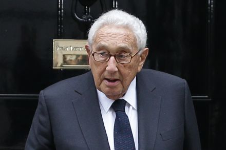 7-40585191 - 18_11_2016 - FILES-US-POLITICS-TRUMP-KISSINGER.jpg