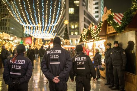 12-40948621 - 23_12_2016 - GERMANY BERLIN ATTACK CHRISTMAS MARKET AFTERMATH.jpg