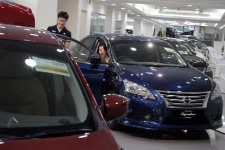 Singapore November retail sales rise 1.1 percent, strong motor vehicles sales