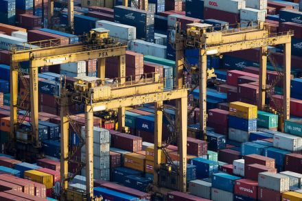 Singapore exports end 2016 with another month of expansion