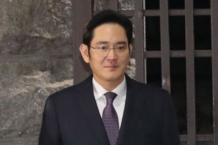 7-Samsung chief Lee Jae Yong -41203405 - 19_01_2017 - SKOREA-CORRUPTION-POLITICS-SCANDAL-SAMSUNG.jpg