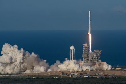 42098814 - 31_03_2017 - USA SPACEX ROCKET LAUNCH.jpg