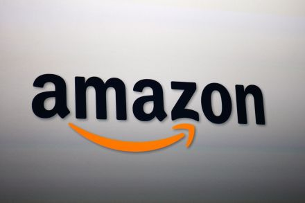 The Amazon (NASDAQ:AMZN) Stock is Close to $1000 as Revenue Soars