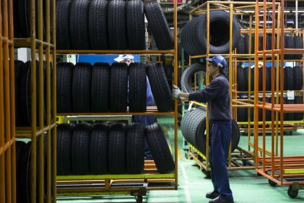 Japan April industrial output rises 4.0 pct month/month