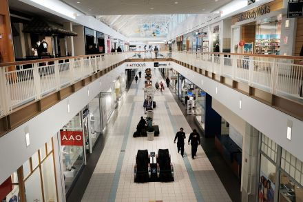42077604 - 29_03_2017 - US-THOUSANDS-OF-MALLS-ACROSS-U.S.-THREATENED-AS-RETAIL-STORES-PU.jpg