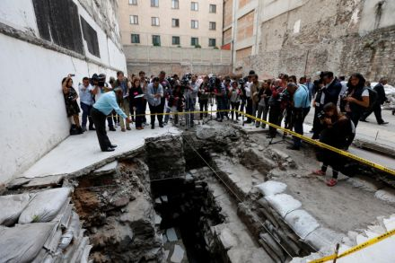 Archaeologists discover Aztec ball court in heart of Mexico City.jpg