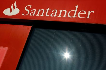 BidaskClub Upgrades Banco Santander-Chile (BSAC) to