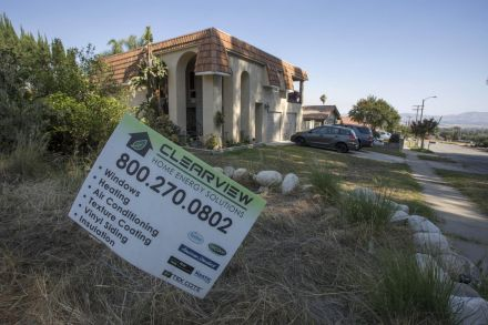 US pending home sales unexpectedly drop in May