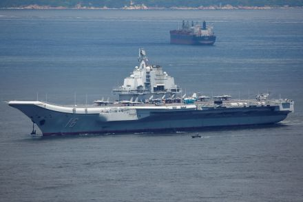 2017-07-11T041912Z_814938830_RC12E2AB8F70_RTRMADP_3_CHINA-CARRIER-HONGKONG.JPG