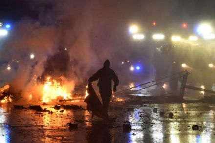G 20 Protesters Block Roads Set Cars On Fire In Hamburg Government