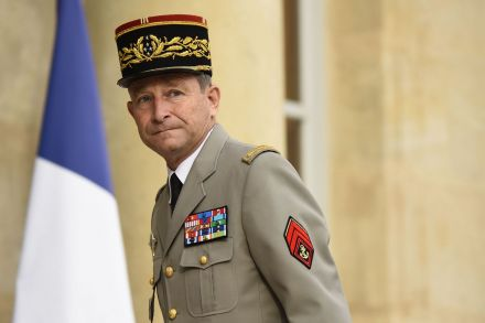FILES-FRANCE-POLITICS-GOVERNMENT-DEFENCE-ARMY-082538.jpg