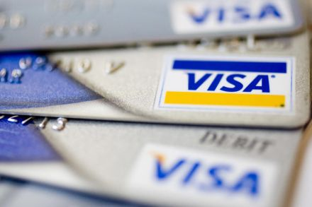 Exane Derivatives Cuts Stake in Visa Inc. (V)