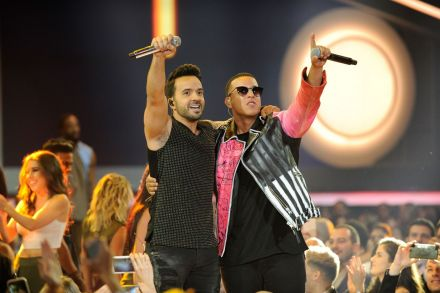 US-BILLBOARD-LATIN-MUSIC-AWARDS---SHOW-041112.jpg