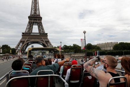 France remains world's favourite tourism.JPG