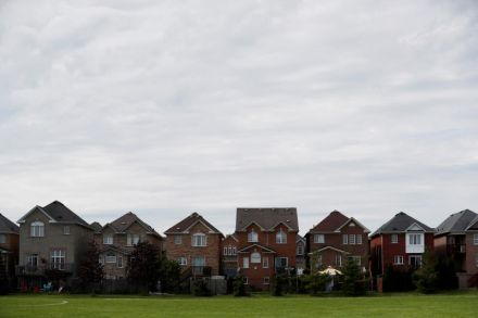 Toronto home sales fall, new listings slide as sellers move to sidelines