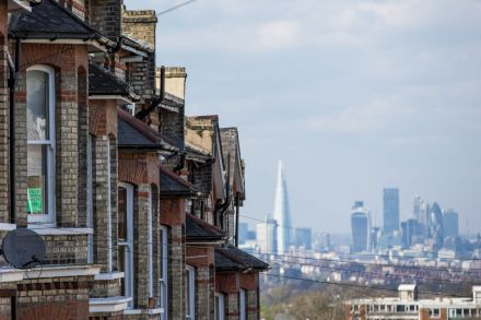 London Property Slump Drags UK Home-Price Growth to Standstill
