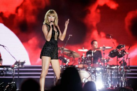 FILES-ENTERTAINMENT-US-MUSIC-TAYLOR_SWIFT-203613.jpg