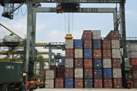 Singapore Sept non-oil domestic exports down 1.1 pct y/y""