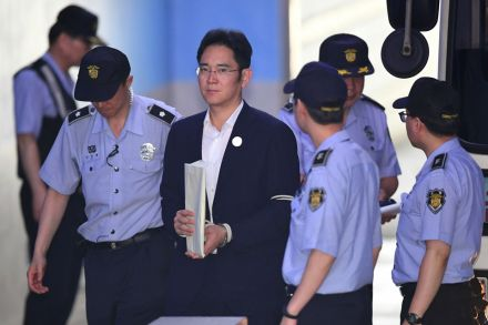Samsung heir Lee Jae-yong sentenced to 5 years' jail for bribery