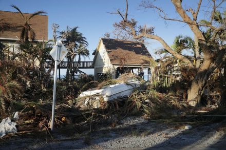 US-FLORIDA-KEYS-REMAIN-WITHOUT-BASIC-UTILITIES-AFTER-DIRECT-HIT--202148.jpg
