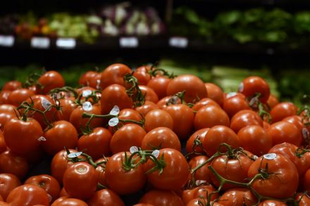 U.S. producer prices rise 0.4 in October on higher food prices