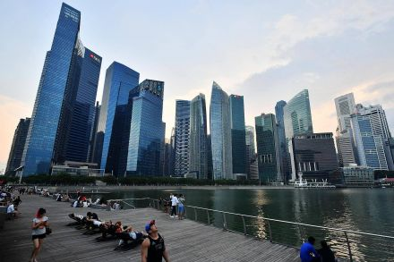 Singapore growth, low CPI keep markets guessing on Central Bank's next move