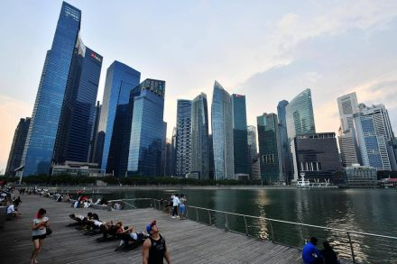 Singapore Upgrades 2017 Growth Forecast to as Much as 3.5%