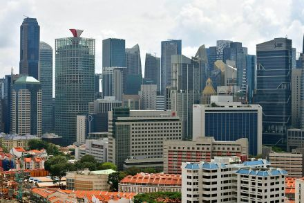 Singapore Q4 GDP growth slows as manufacturing loses steam
