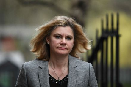 Jeremy Hunt sorry for 'accidentally' liking tweet about Justine Greening quitting cabinet